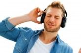۱۰ فایده شگفت انگیز موسیقی از نظر علم روانشناسی