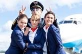 چگونه باید با مهمانداران هواپیما رفتار کنیم